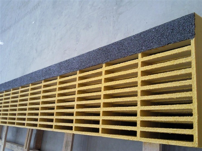 Fiberglass anti slip stair tread covers hebei maple frp industry co ltd for Composite exterior stair treads